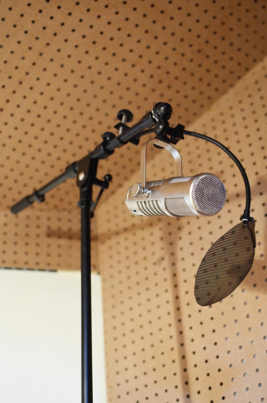 Bobbybrave Studios by Caitlin Perry and Robert Bravington